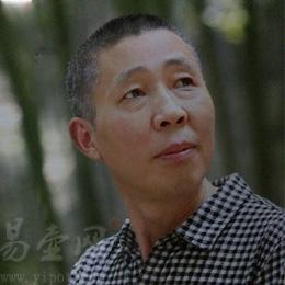 易壶网签约艺人:紫砂壶名家余志平老师近照