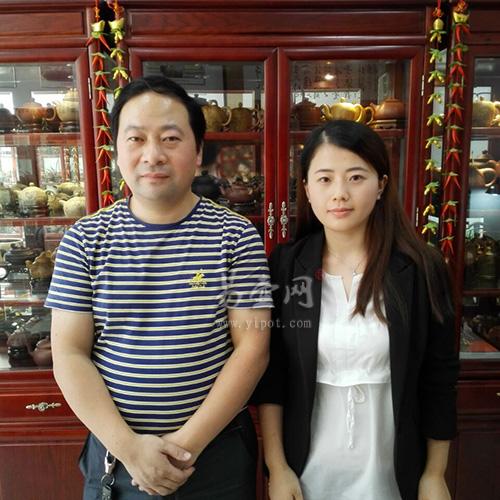 易壶网(www.yipot.com)和吴秋平老师合影